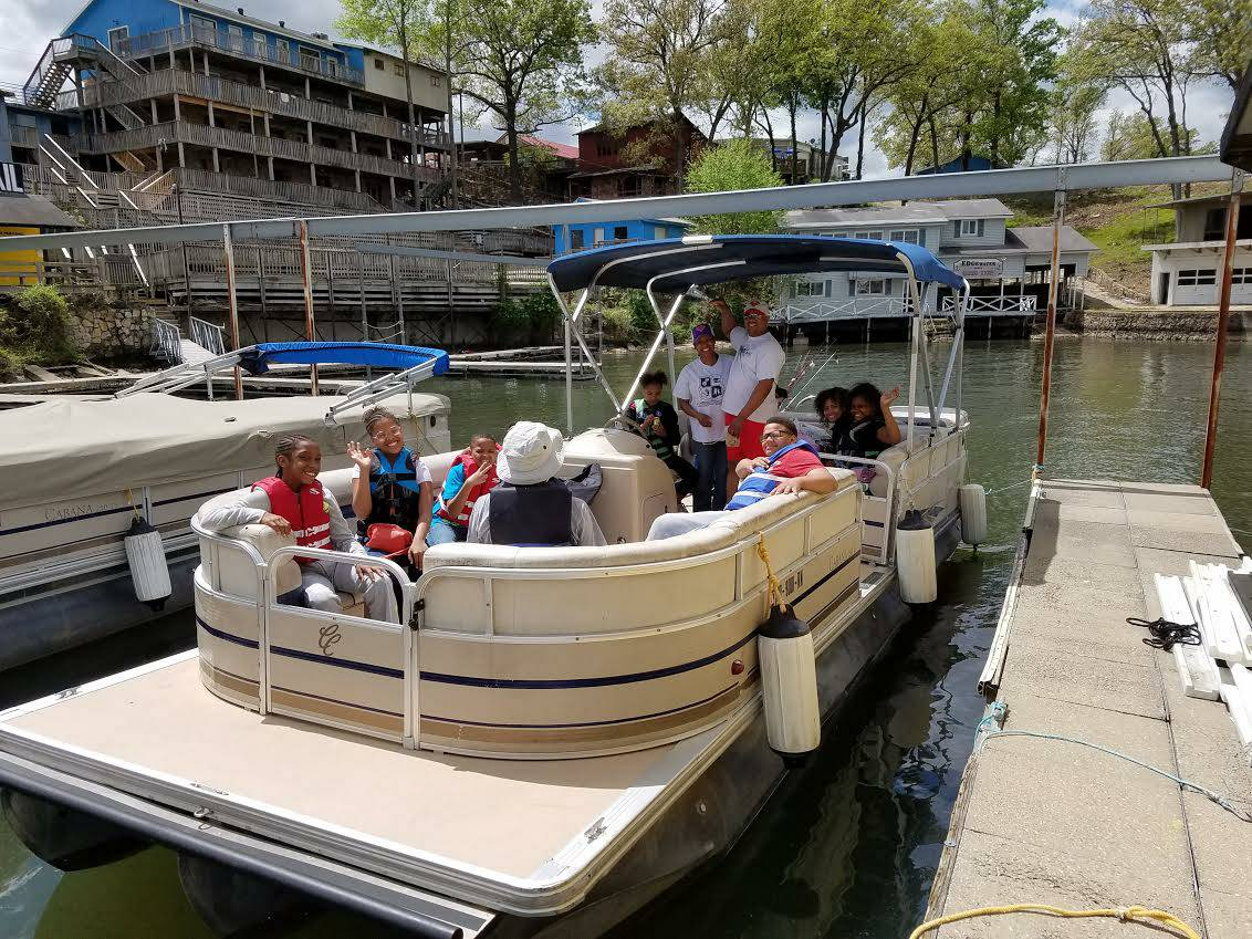 LOTO Boat Rentals Tritoon