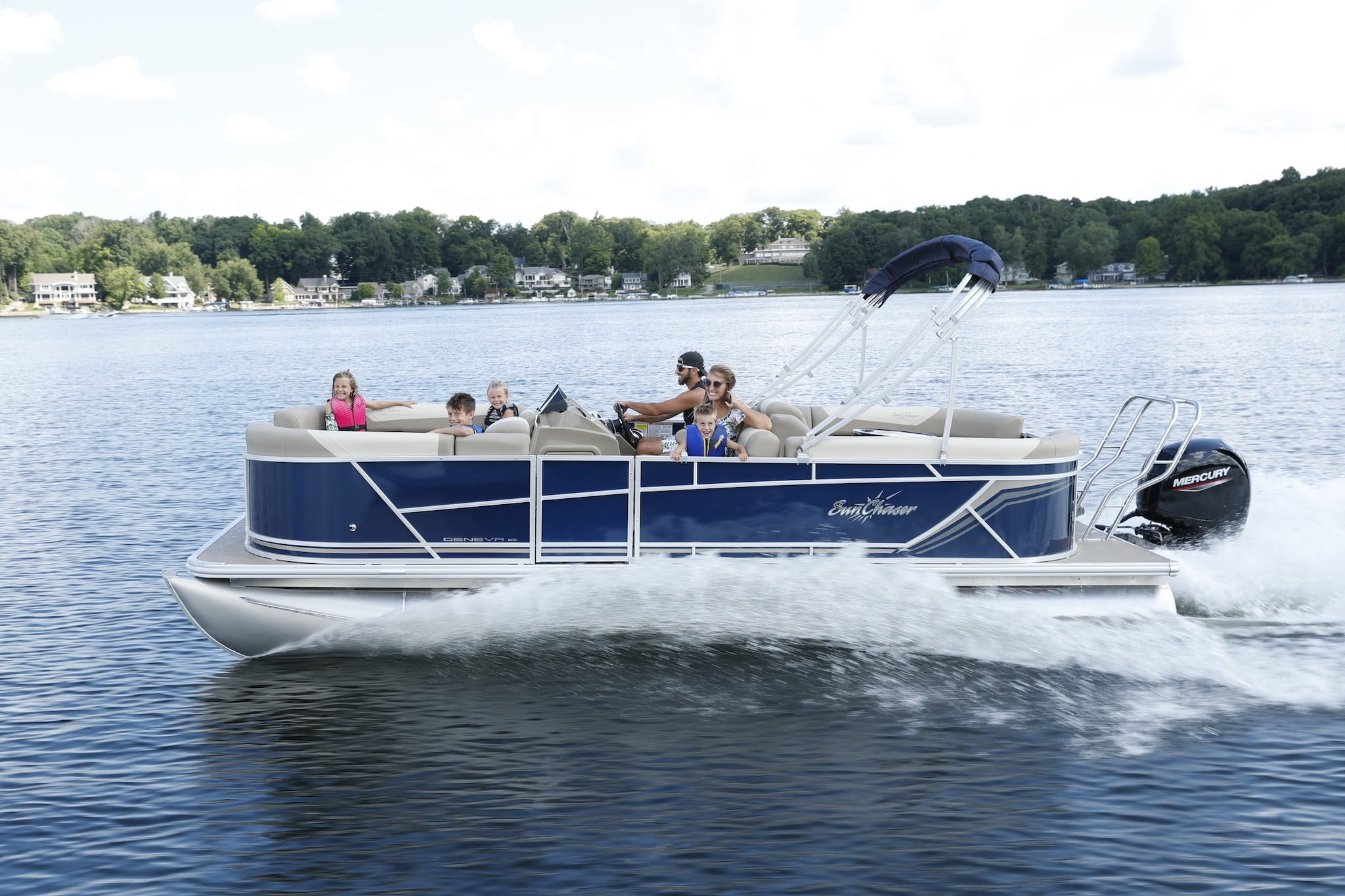 LOTO Boat Rental Tritoon |Boat Rental Rates